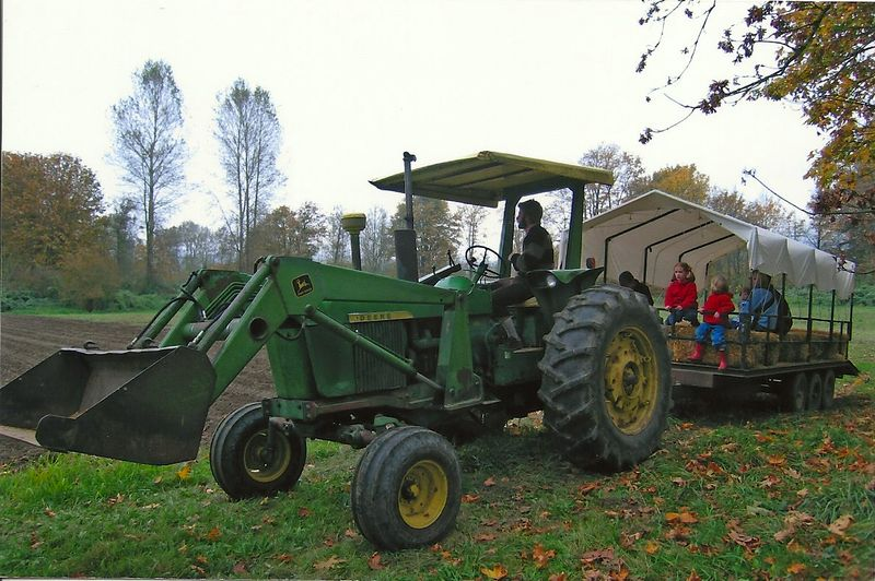 2005 Fall City Farms tractor